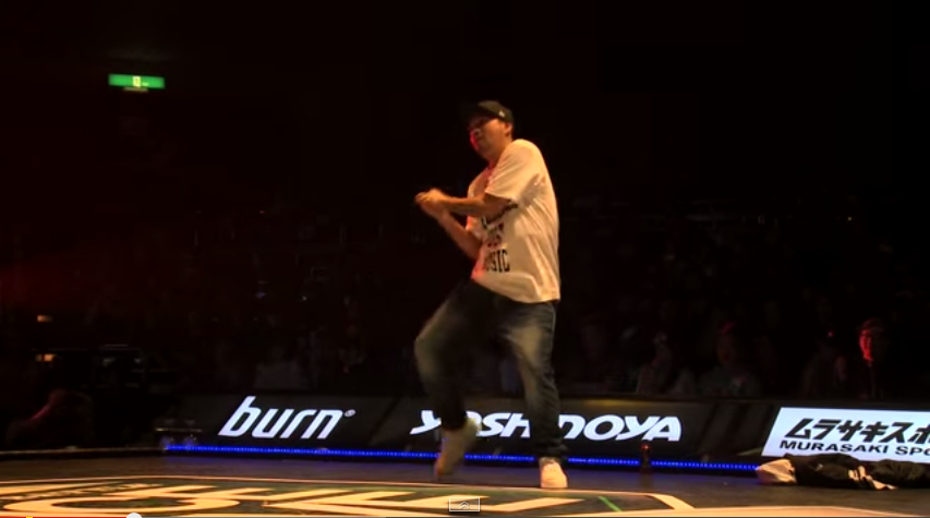 SALAH vs WAPPER DANCE LIVE JAPAN FINAL 2014 FREESTYLE【QUARTERFINAL】   YouTube2