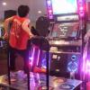【早すぎてゆっくり見える】カリスマDDRプレイヤーTAKASKE-の凄すぎるダンレボ動画